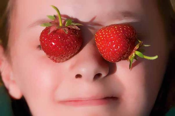 Strawberries, Strawberry, Portrait, Child, Little Girl