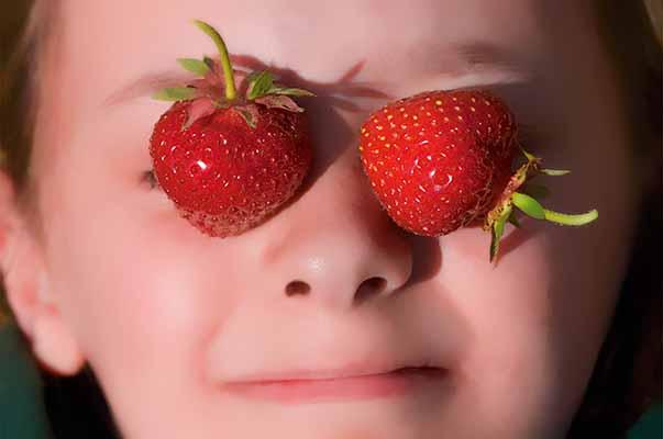 Strawberries, Strawberry, Portrait, Child, Little Girl