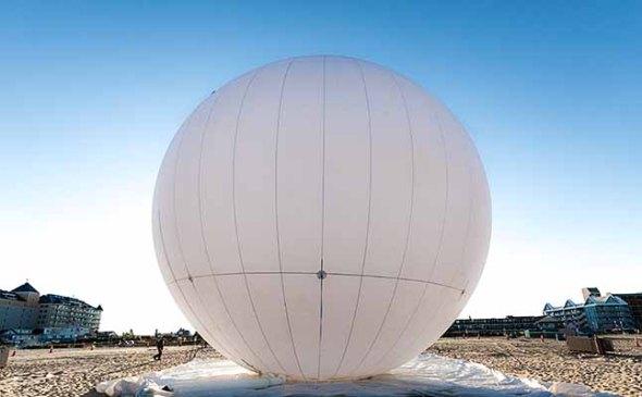 The prisoner balloon