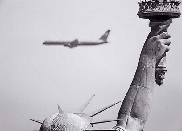 statue of liberty, jet